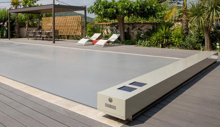 Coverseal une couverture de piscine haut de gamme - Couverture piscine automatique prix ...